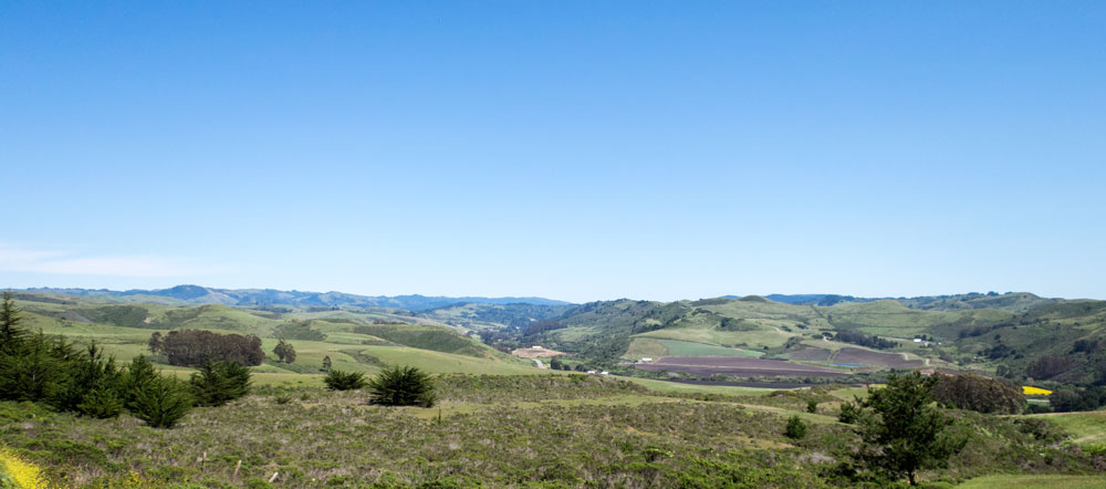 One nice thing about the wind is that it clears the air. This is the view from Highway 1 where Stage Road hits it, just south of Tunitas Creek.