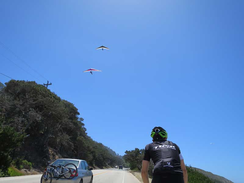 Lots of hang gliders out today!