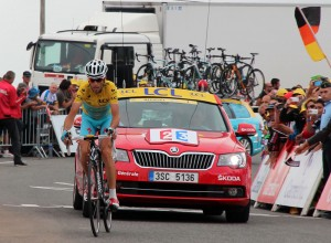Nibali winning the Hautacam stage