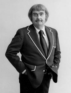 800px-Bob_keeshan_captain_kangaroo_1977[1]