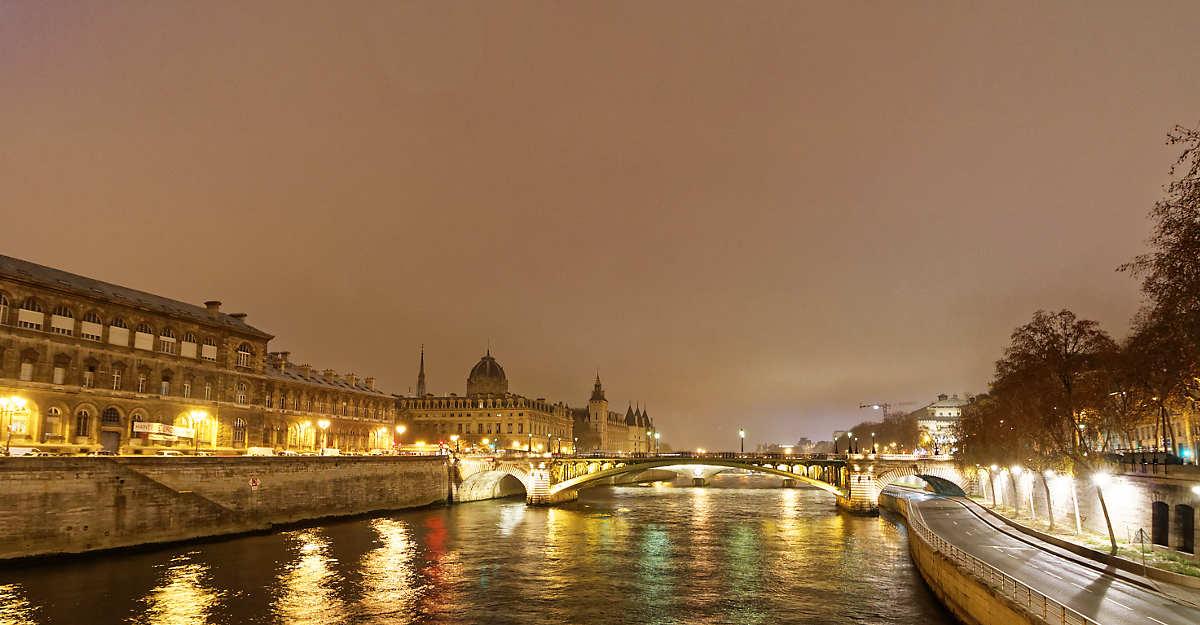 Paris under a bit of fog in the winter is still quite beautiful.